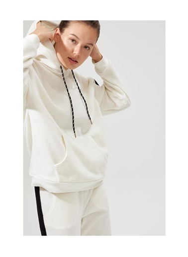 Defacto –Fit Nasa Lisanslı Şerit Detaylı Sweatshirt Beyaz